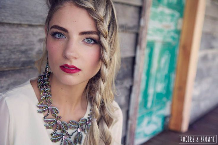 red lip//braid//bridal photo shoot//luxe boho inspiration www.maplelane.com.au