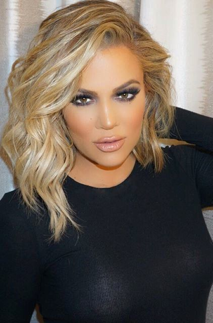 While I'm not a fan of the Kardashians, Khloe's hair is fab in this photo