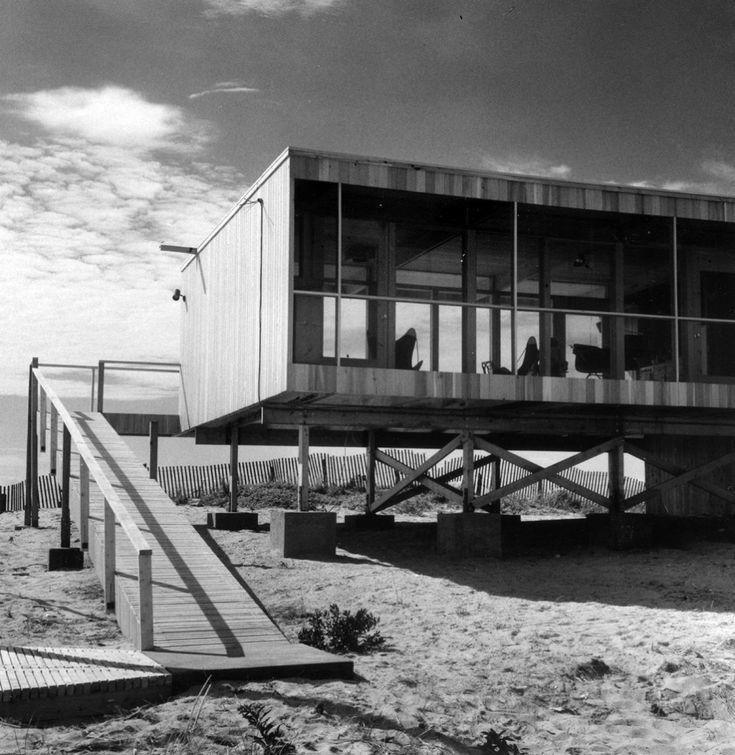 (фасад,1950-70е,середина 20-го века,медисенчери,медисенчери модерн,средневековый модерн,модернизм,mcm,пляжный,архитектура,дизайн,экстерьер) .