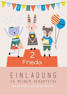 Auf Den Ehrenplatz Zum 2. Geburtstag: Einladungskarte Mit Süßen  Illustrationen Von Hase, Katze