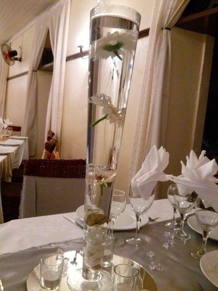 Centre de table vase fl te fleurs gerbera blinbling 25 - Pinterest centre de table ...