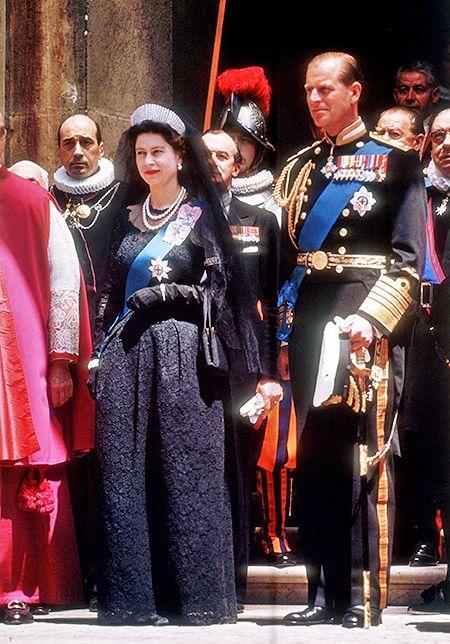 В 1961 году королева Елизавета II и принц Филипп посетили Ватикан и встретились там с папой Иоанном XXIII.