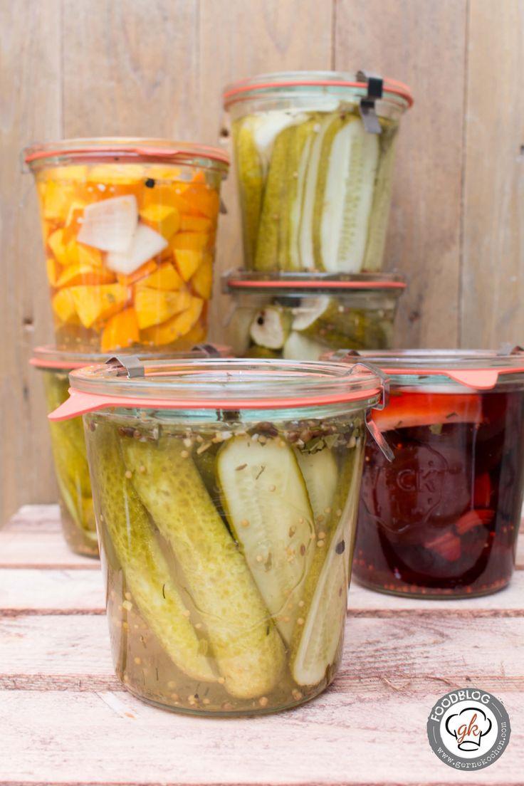 Eingelegte Gurken oder anderes Gemüse ist eine Tradition und dieses Mal habe ich meine Mama hinzugezogen. Was dabei rumgekommen ist, lest ihr auf dem Blog.