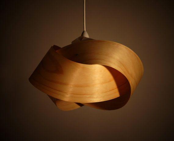 Ombre légère de placage en bois pendentif  Twist par Minnowlighting, $250.00