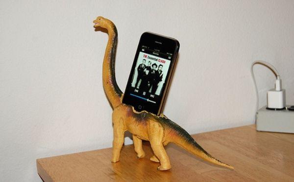Ahahaha!! Looking through google for cool phone docks. Genius DIY project!.... I want one in giraffe