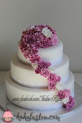 Bryllupskake med roser