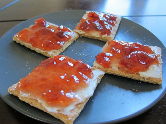 Cream cheese & jelly bites | appetizers - crackers/bread ...