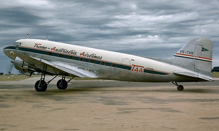 TAA Douglas DC-3 VH-TAN