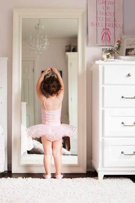 Ballet www.theworlddances.com/ #littleballerinas #tutucute #dance