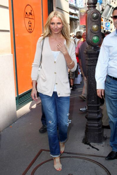 Cameron Diaz Photo - Cameron Diaz Shops in France