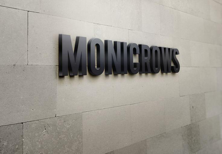 @MoniCrows