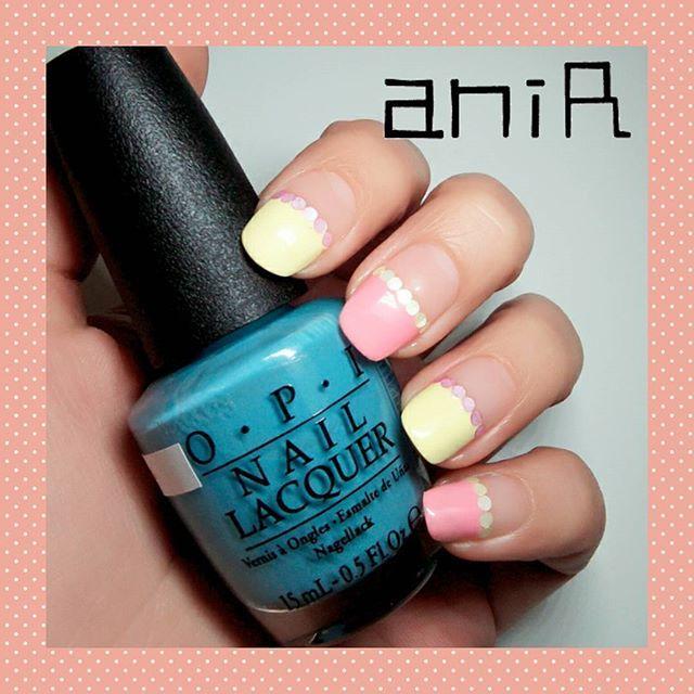 「この青つ~かおっ🎶」 って手に取ったのになぜかこうなりましたネイル😚💦 . #初めてさん、#不器用さん でも大丈夫👍✨✨ . #この青ちょっとくすんでて緑っぽくてかわいい #次こそ使おう 😳 #好きな色の組み合わせってあるよね #私は #1位ブラックかけるゴールド #2位ピンクかけるグレー #3位黄色かける紫色 #あなたの好きな組み合わせは何色と何色?🙈💓 #ホロネイル #春ネイル #パステルネイル #フレンチネイル #まっすぐフレンチ #簡単アート #簡単ネイル #セルフネイル専門店 #ポリッシュ #塗り放題 #アドバイス無料 #セルフネイル #せるふねいる #selfnail #吹田市創業支援認定事業 #吹田市 #江坂 #江坂ネイルサロン #吹田ネイルサロン #吹田市ネイルサロン