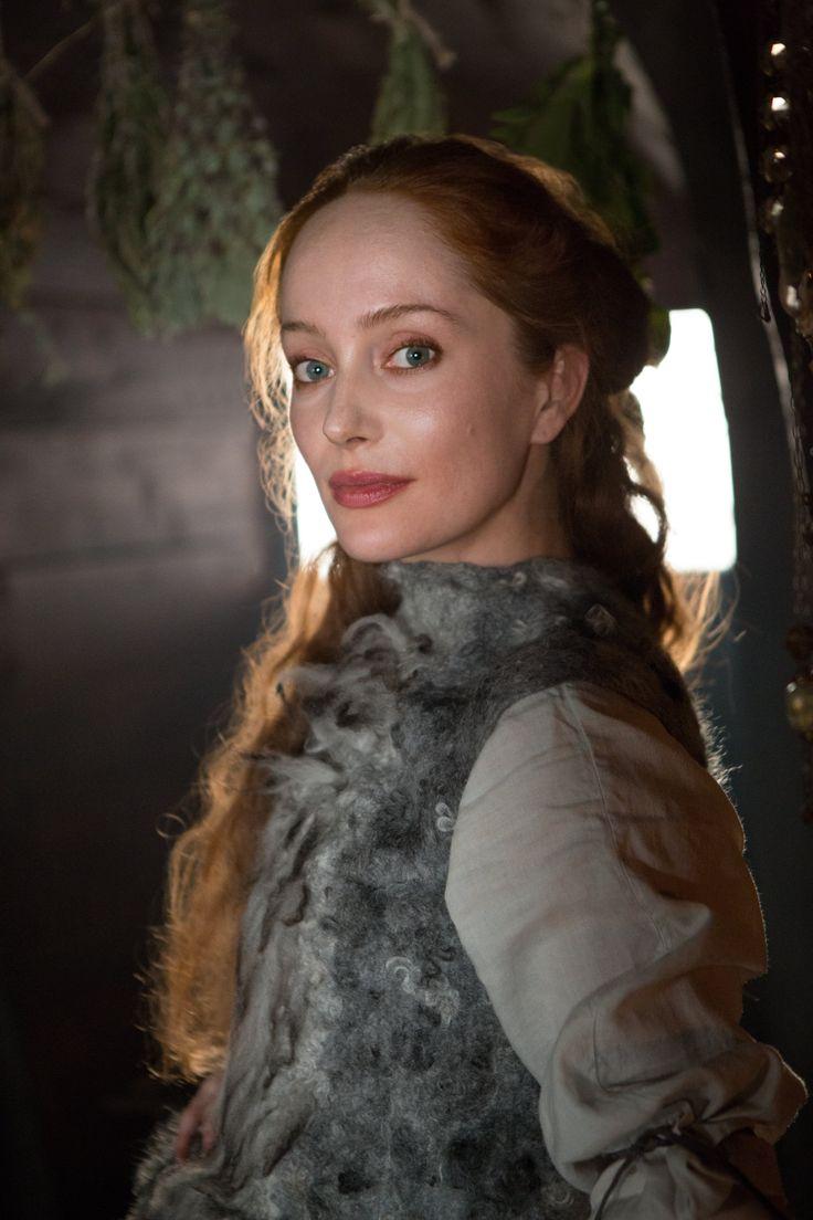 Lotte Verbeek as Geillis Duncan in Outlander Season One on Starz