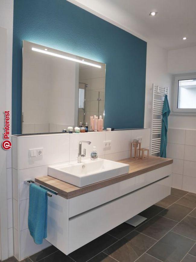 Ein Besonderer Schwerpunkt Im Bad Sind Lange Waschbeckensysteme Mit Badezimmer Klein Badezimmer Traditionelle Bader