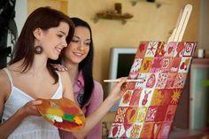 Leinwand bemalen: Klassiker der wedding games. Hochzeitsgäste malen Leinwand Felder aus. Nach Vorgabe -Hochzeitsfoto - oder als Überraschung zur Hochzeit