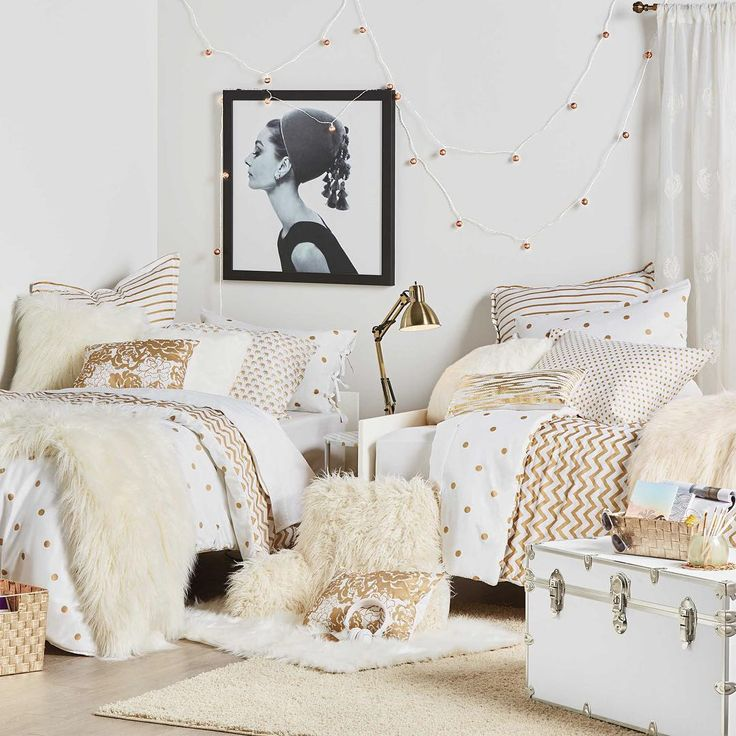 Create a dorm room look that matches your personal style. If you love glam, this Anthology Gold Glam bedding set will make your room shine with sophisticated metallics and enamel accents. Shop more looks via the link in our profile! #bedbathandbeyond #studentlifehappens