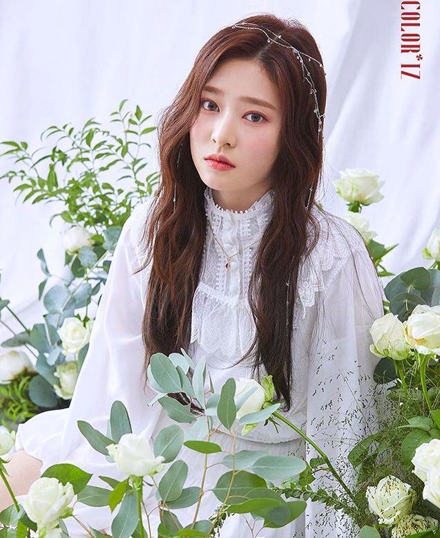 Izone First Mini Album [ #COLORIZ ] #KimMinju ♡ | IZ*ONE