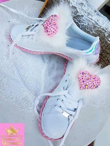 Χειροποίητα αθλητικά stories for queens στολισμενα με άριστης ποιότητας γούνα, καρδιά με κρύσταλλα και δερμάτινο κορδόνι  http://handmadecollectionqueens.com/Sneakers-με-καρδια-απο-κρυσταλλα-και-δερματινα-κορδονια  #handmade #fashion #sneakers #athletic #storiesforqueen #women #footwear