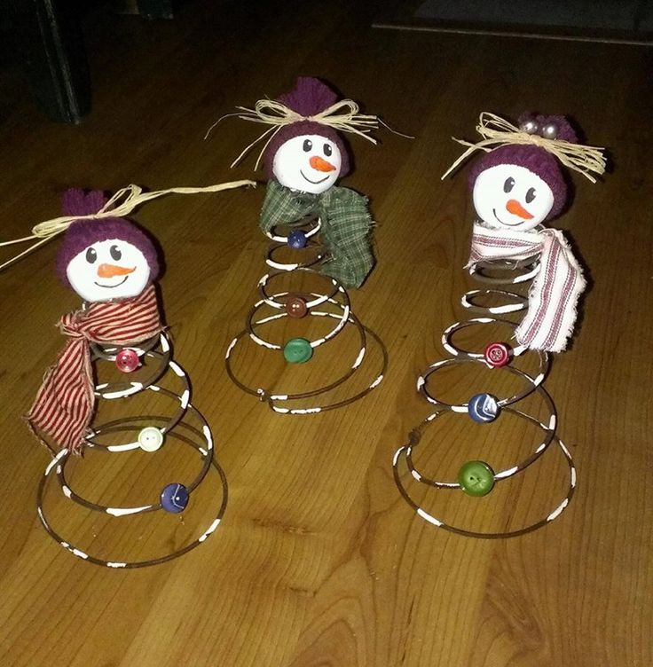 Featured 5 Spring Projects: Bed Spring Snowmen