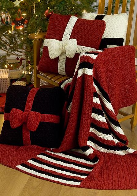 Presents Crochet Throw and matching pillows. Ravelry. Free pattern.