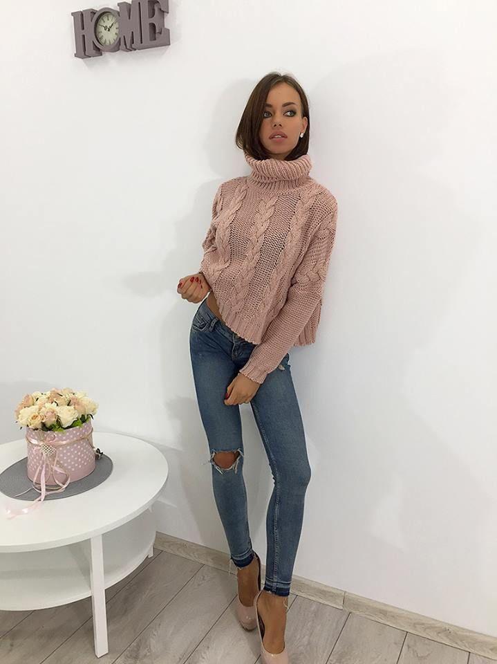💟Cudowny sweter z golfem💟Idealny na jesienno-zimowe dni 🍁❄️ ❗️Cena: 79,99 zł ❗️ Link do produktu: http://bit.ly/2xfxqzp Stylistka Sara <3