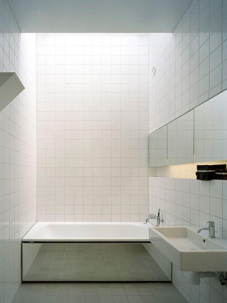 Mirrored bathtub. Photo by Claesson Koivisto Rune Design