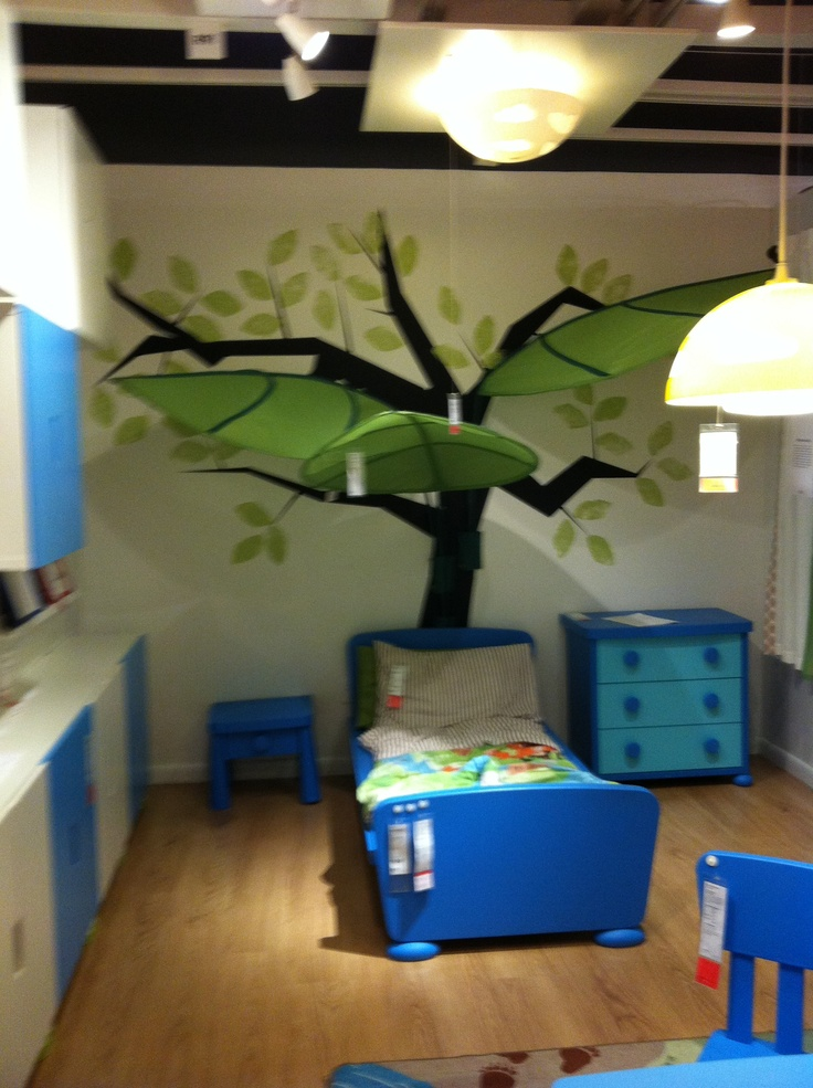 Tree with Ikea Lovas leaf canopies. Green Class Book