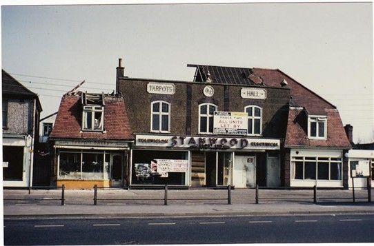 Photo:The demolishing of Tarpots Hall