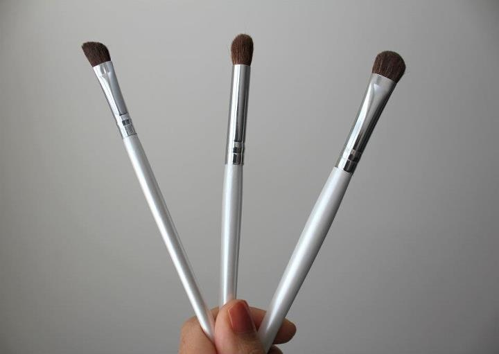 elf eyebrow brushes. elf essential defyning brush, blending eyeshadow brush eyebrow brushes e