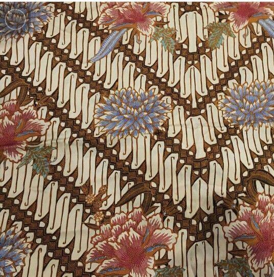 Batik Iwan tirta: parang bunga dahlia