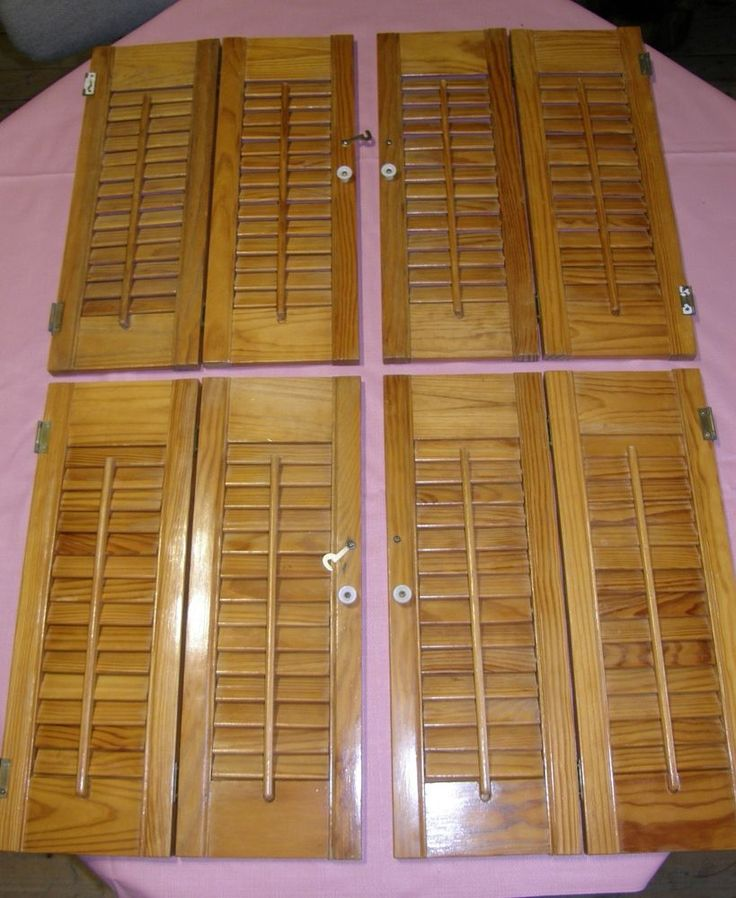 TWO PAIR VINTAGE LOUVER WOOD  INTERIOR SHUTTERS 8 PANELS MAPLE  90$