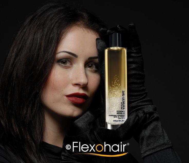 Haarparfum mit stark pflegenden Kamelienöl und dem sinnlichen Duft von Freesien, Kamelien und Moschus-Rosen.