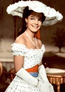 Romy Schneider as Sissi (3, 1957) on Korfu, son magnifique chapeau !!