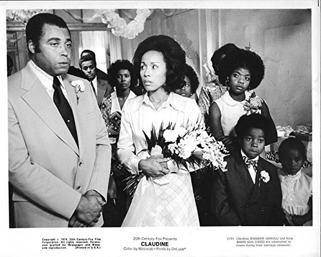 James Earl Jones, Tamu Blackwell, Diahann Carroll, Eric Jones, and Socorro Stephens in Claudine (1974)