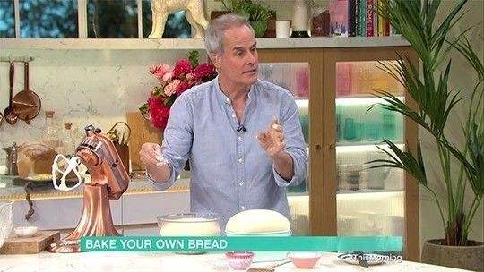 How to bake your own bread, with Phil Vickery in 2020 ...