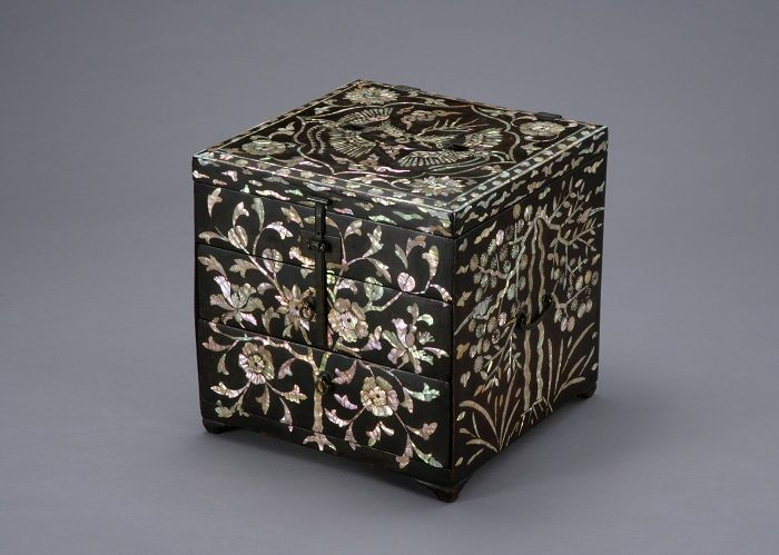 Jeju National Museum Exhibits Rare Mother-of-Pearl Lacquerware