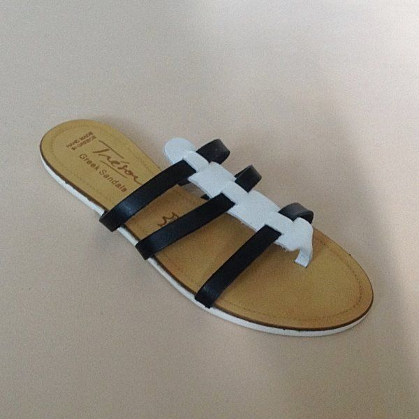 Greek Sandals (Δερμάτινα :: Πέδιλα, Σαγιονάρες, Παντόφλες) @ www.GreekShoes.Net > Κωδικός: 260.510 > Μεγέθη: Νο.35-Νο.41 (τιμή 30€) & Νο.42-Νο.45 (τιμή 40€) > Σόλα: Σφήνα ή Φλάτ | Λευκή ή Μπέζ > Χρώματα: Μαύρο- Άσπρο, Ταμπά-Χρυσό, Μαύρο-Χαλκός