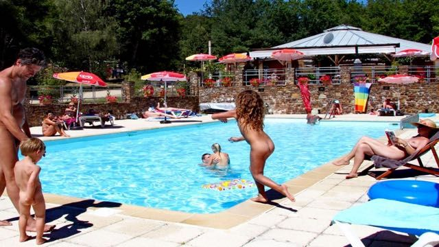 Commit Camp france in nudist