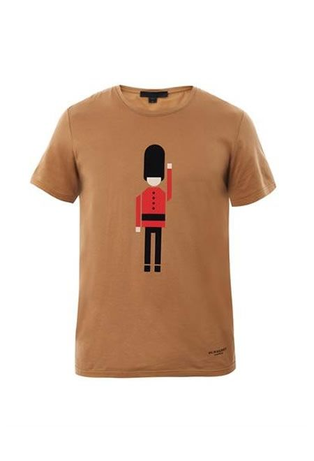 BURBERRY PRORSUM Queen's guard-print T-shirt £146   #BURBERRY #PRORSUM #T-SHIRT #COTTON