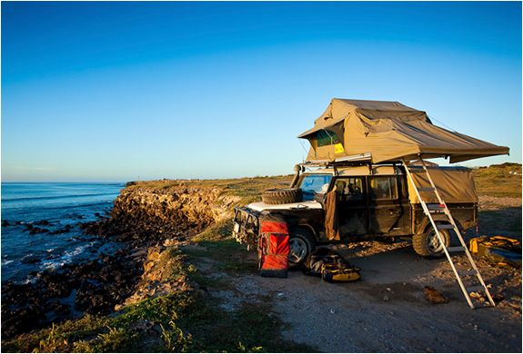 T-Top roof tent by eezi-awn - actually I think it may be the Defender 90 I love...