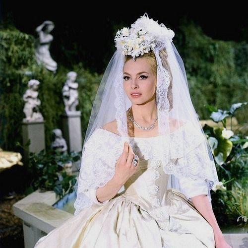 Angélique Marquise des Anges (1964) - Michèle Mercier