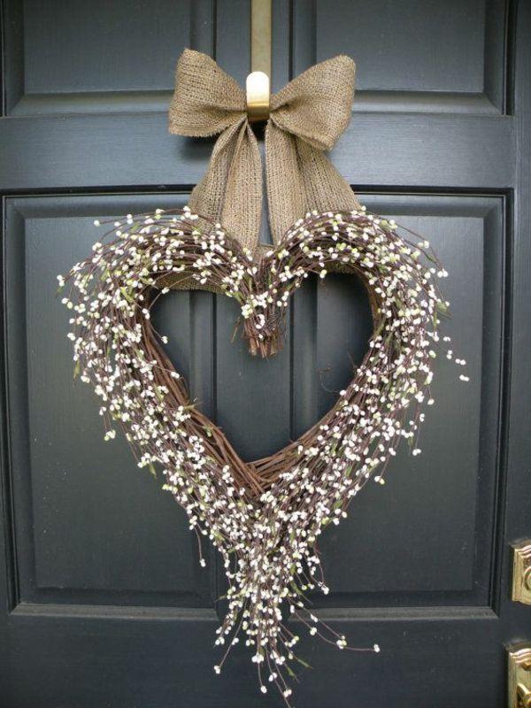 weihnachtsdeko basteln türkranz herzform schleife