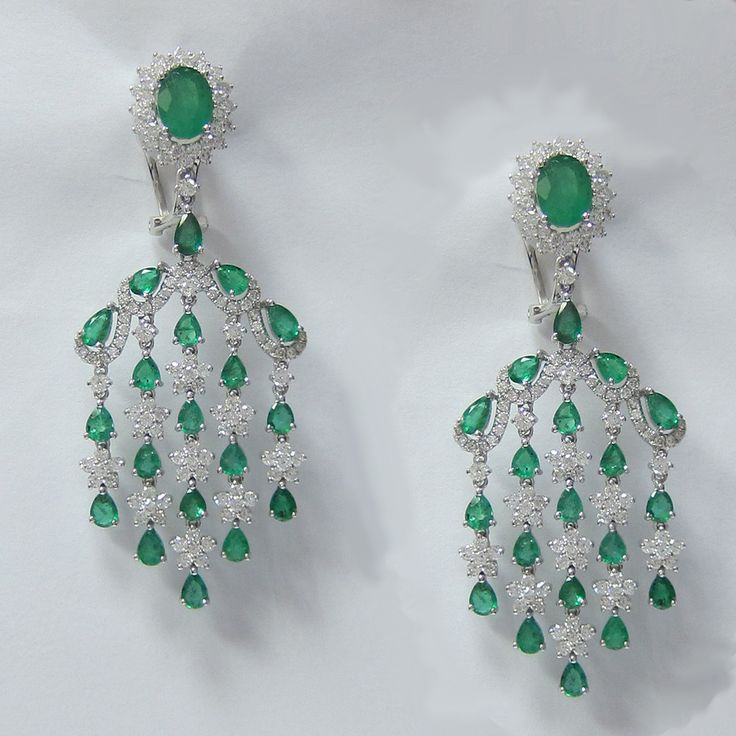 10 80 Ct Emerald And Diamond Chandelier Earrings In 18k White Gold Idj015190