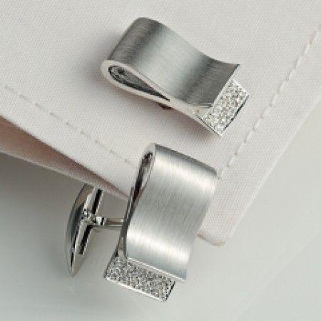 Diamond cufflinks... One of my favorites. .. for you. .♡ . . . . . der Blog für den Gentleman - www.thegentlemanclub.de/blog