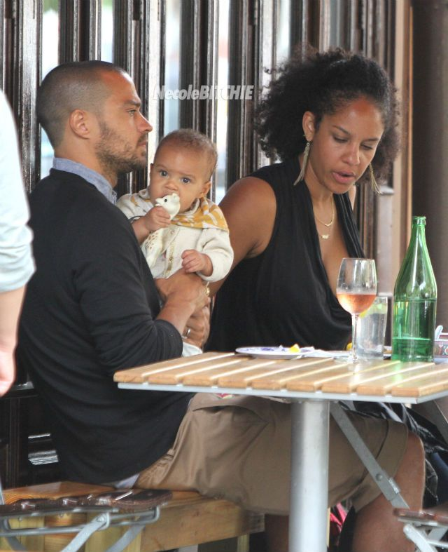 Aww Jesse Williams his wife Aryn and baby Sade