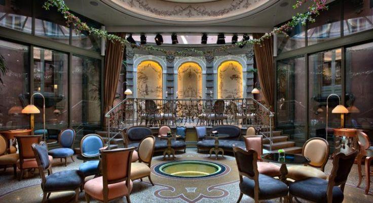 Château Monfort – Flamboyant hotel in Milaan