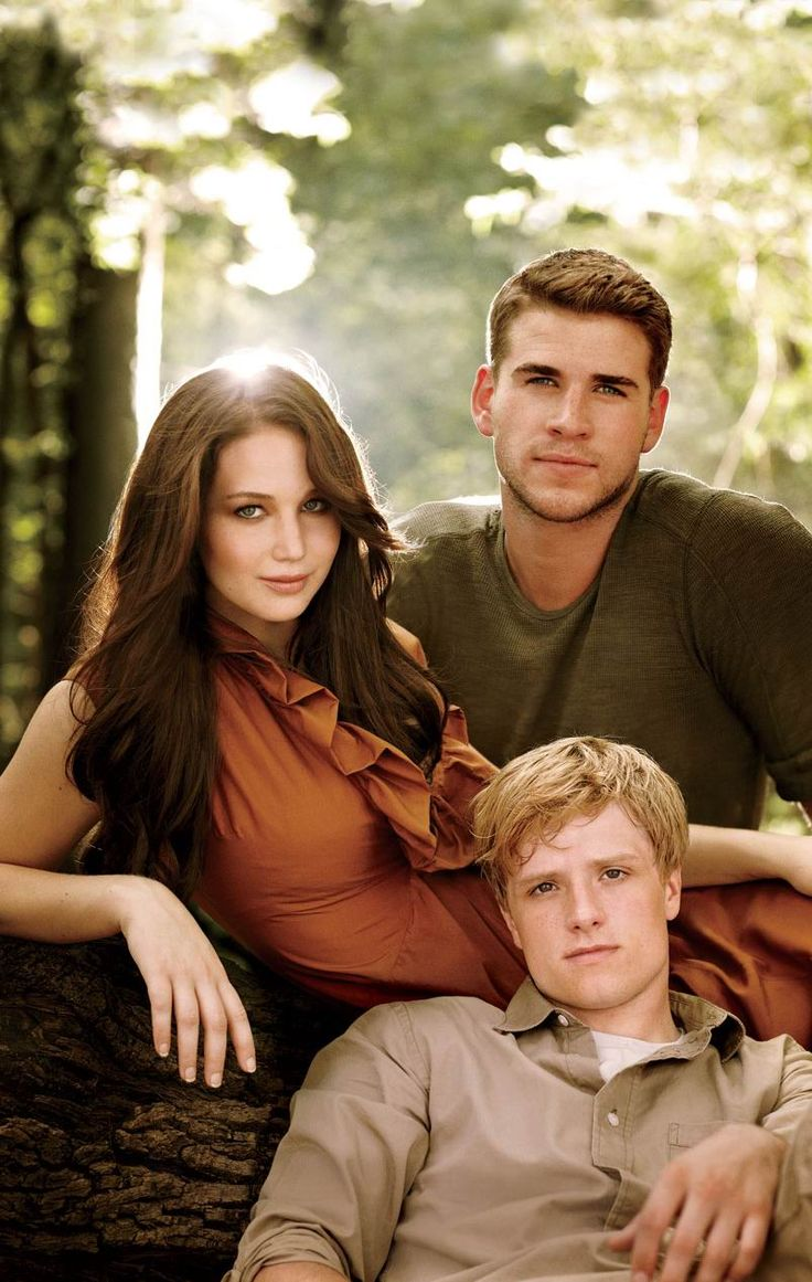 Jennifer Lawrence, Liam Hemsworth, Josh Hutcherson - can Catching Fire please come out already?!?