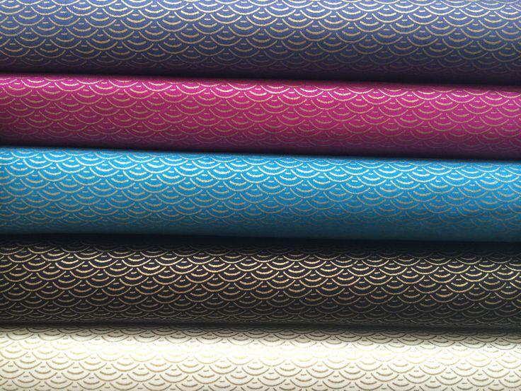 NOUVEAUTÉ Superbe Tissu 100% COTON JAPONAIS à motifs dorés OR 50x145  cms