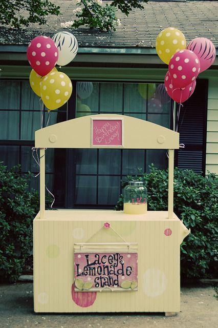 Homemade lemonade stand #summerparties #lemonade