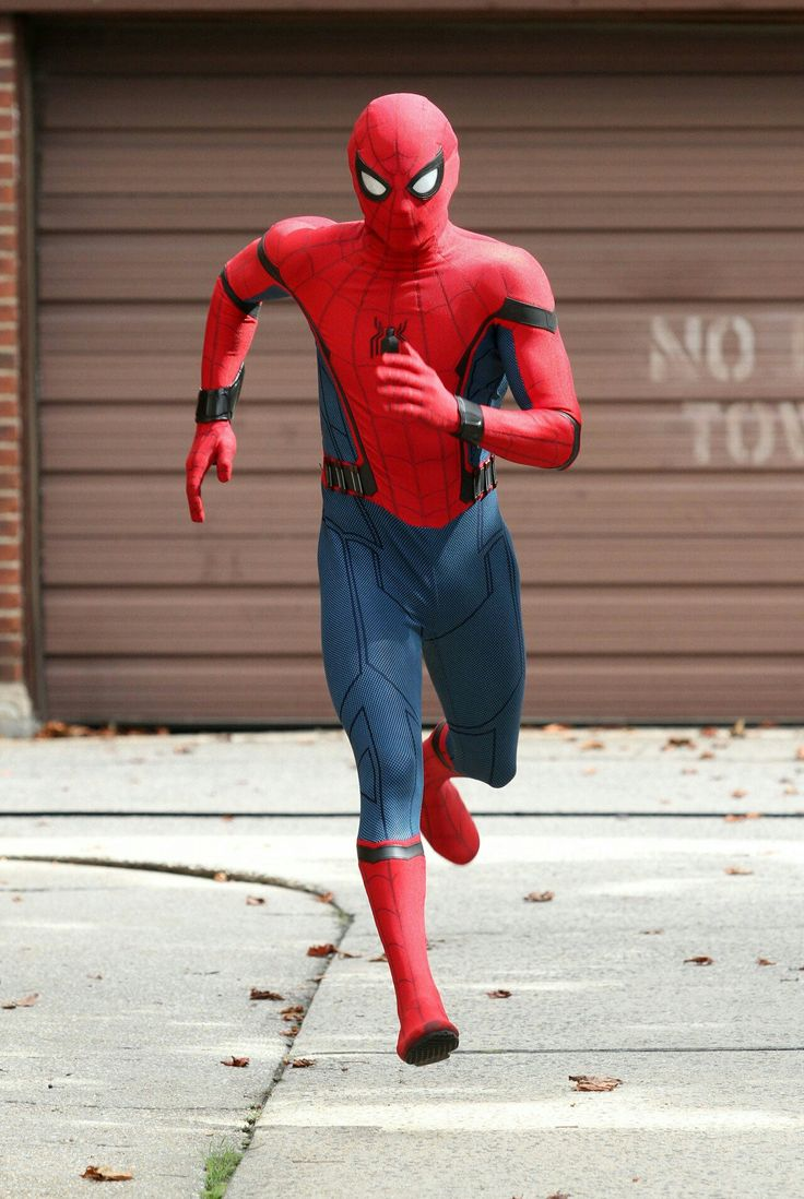 Yeah, the mask is great, however those thick black lines around the arms on the Homecoming version of Spidey's suit just look damned  stupid.